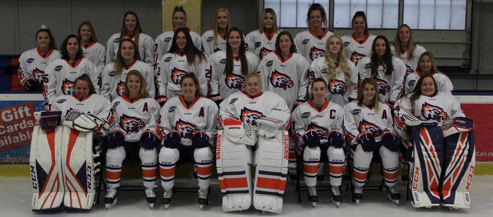 group photo of women's hockey team